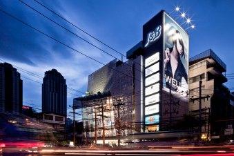 J&B Building by Whitesp ce