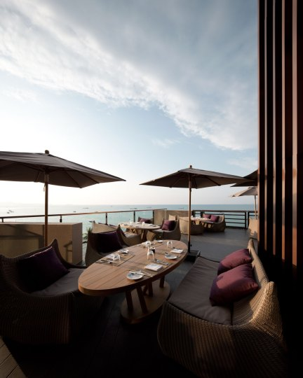 Hilton Pattaya, Edge, by DEPARTMENT OF ARCHITECTURE