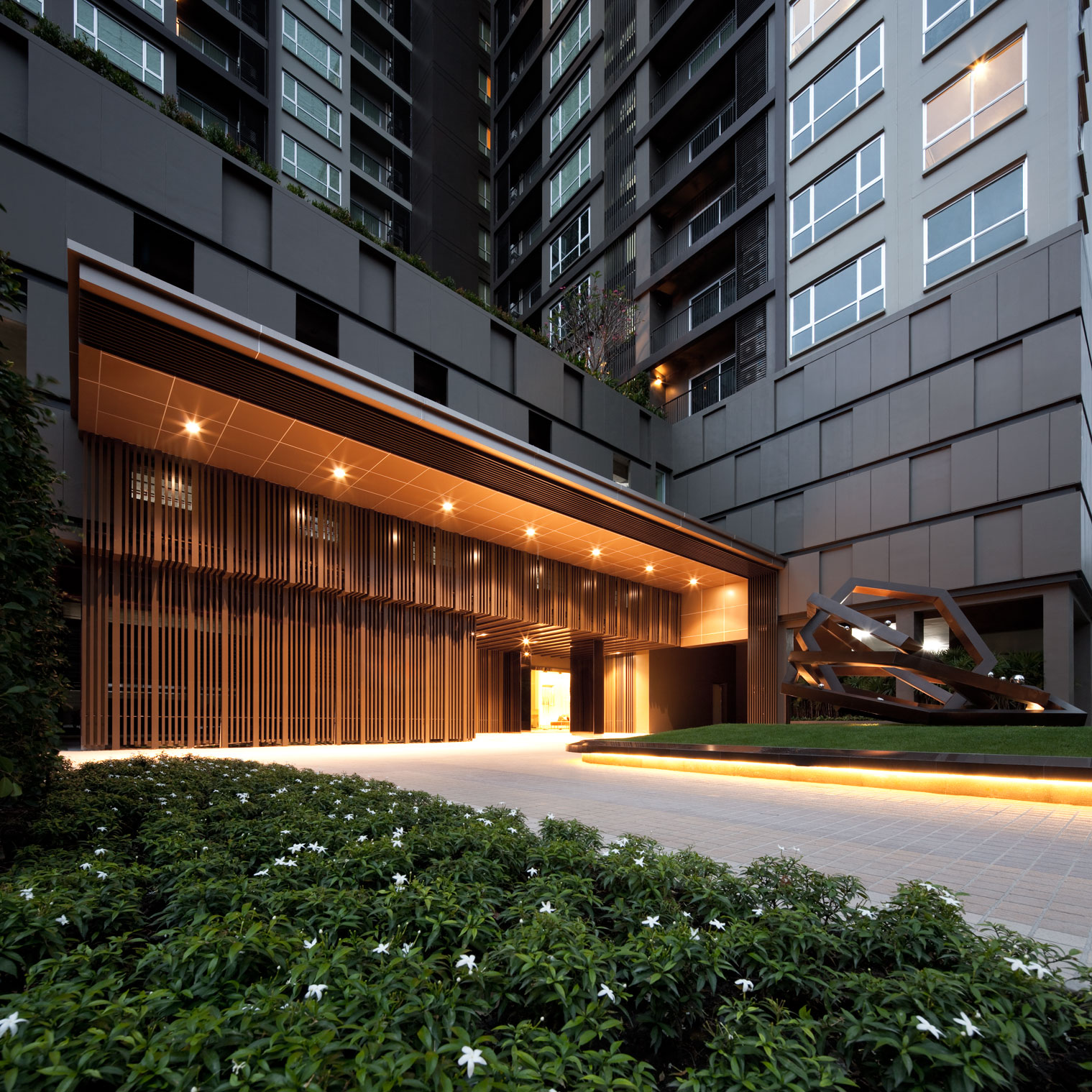 Commercial Property Landscape Design: Wison Tungthunya's Photography