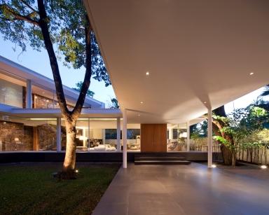 Residence Punya Pattanakarn by DBALP