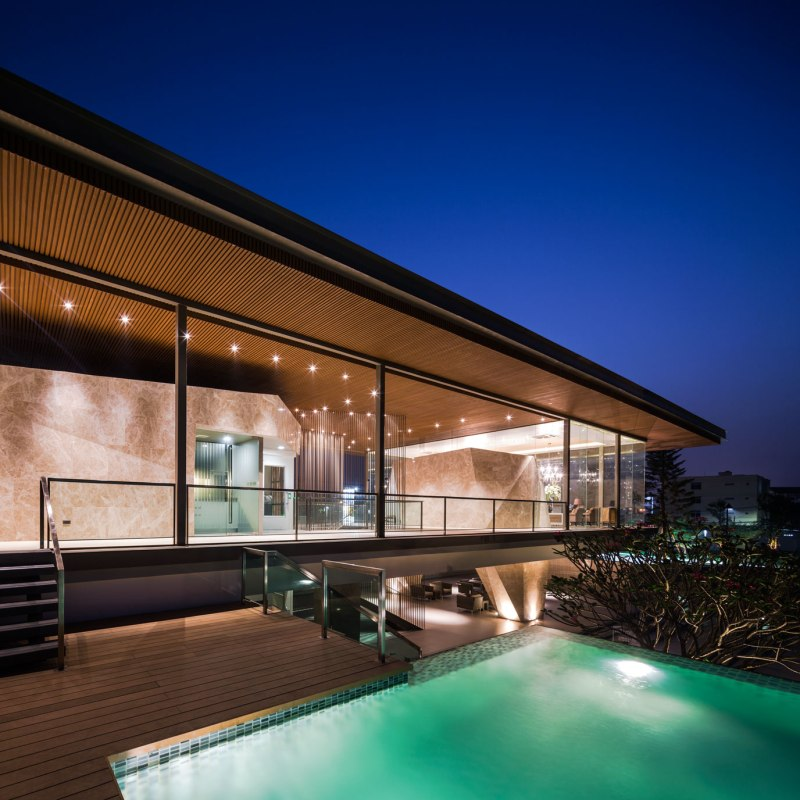 The Grand Pinklao Clubhouse by OfficeAT