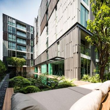 VIA 49 BY Sansiri. Architecture design by Somdoon Architects. Landscape Design by Shma.