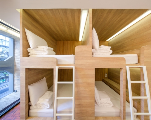 Yim Huaykwang Hostel by Supermachine Studio