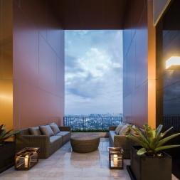 Issra Ladprao Condominium : Penthouse & Duplex room interior by Charn Issara