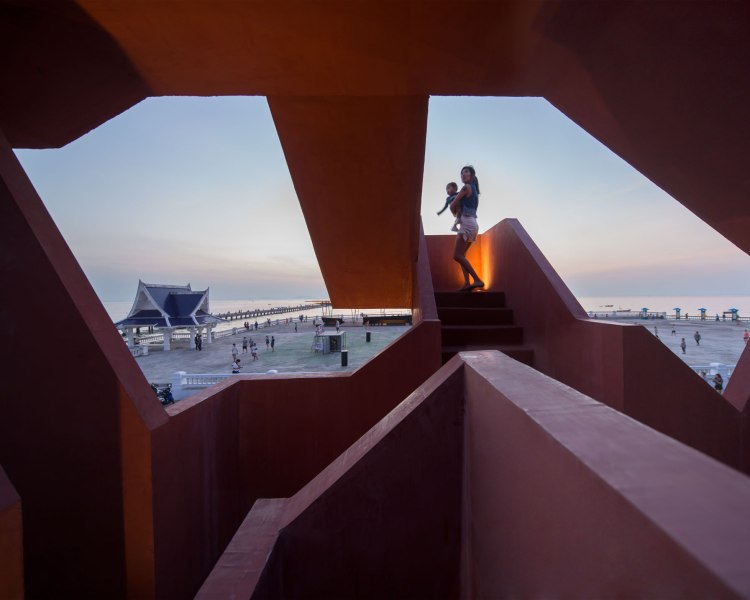 Bangsaen SCG : The Labyrinth / 10 Cal Tower BY Supermachine Studio