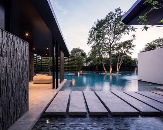 Baan Plai Haad Condominium in Pattaya by Sansiri. Architects » Steven J. Leach, Jr. + Associates Limited. Landscape Architect » TROP.