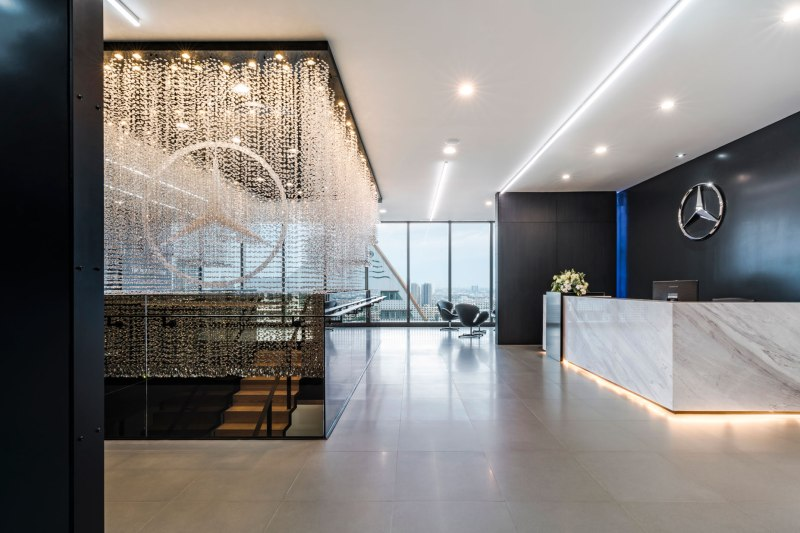 Mercedes benz office by pbm wison tungthunya w workspace for Mercedes benz headquarters