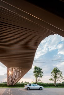Areeya Como Clubhouse. Architects » OfficeAT