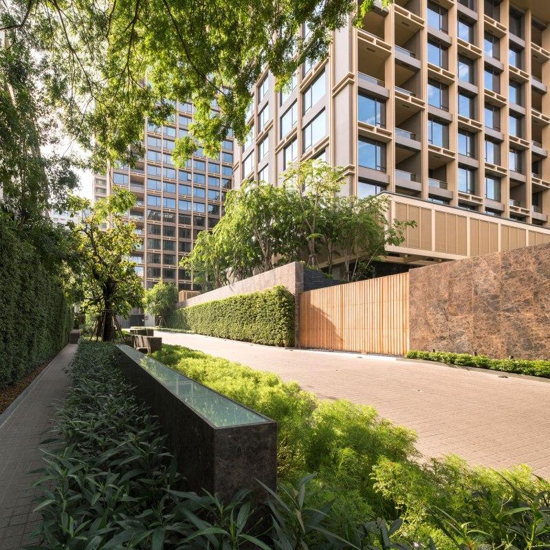 Landscape Architects: Sindhorn Residence Landscape Design By TROP