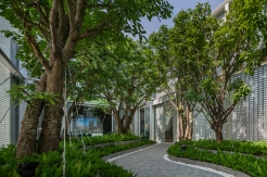The Line Phaholyothin Sale Office • Landscape Architects » Arsomslip Community and Environment Architect