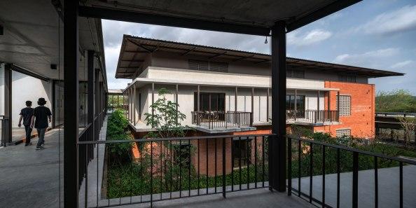 Thammasart Pattaya by Arsomslip Community and Environment Architect