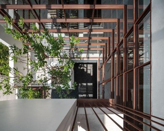 Floating tree House • Architects » Anonym