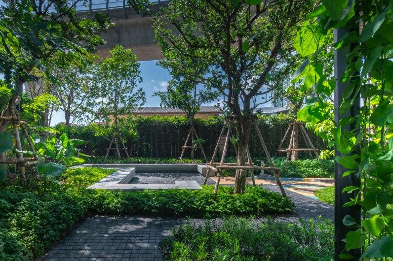 The Base Phetkasem Landscape Design By Arsomsilp
