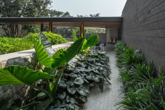Diagonal House Chiangrai • Arcitects & Interior Architects » A49HD • Landscape Architects » TROP