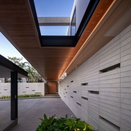 Frame House by StuD/O Architects